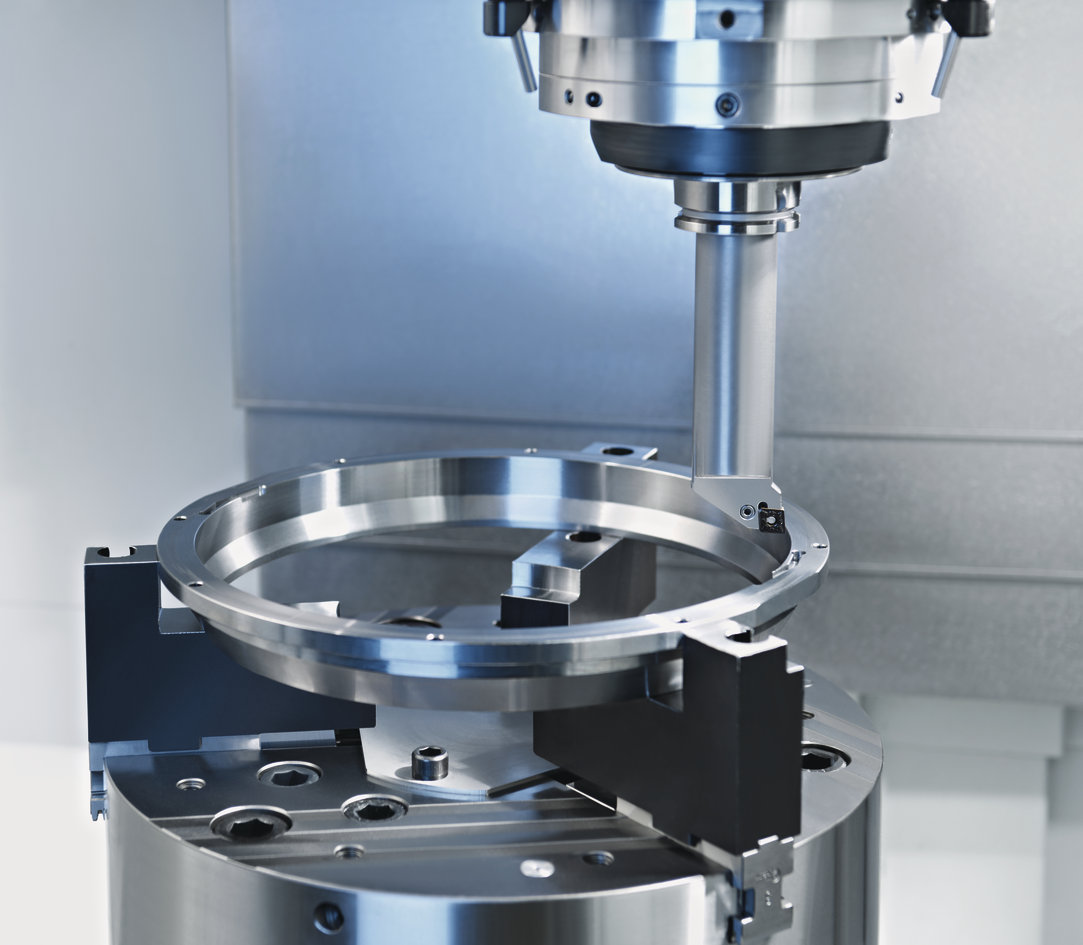 VMC 450 MT turn/mill machine from EMAG for universal use.